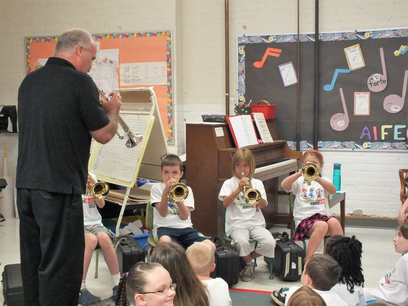 Trumpet presentation in classroom