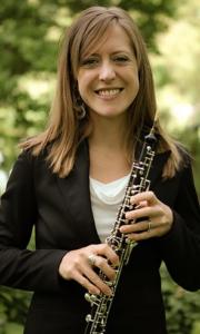 Aimee Berends holding oboe